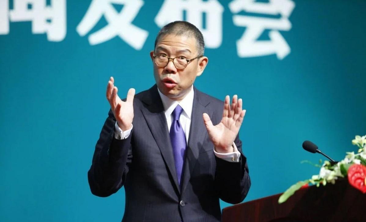 Uomo più ricco in Cina, secondo in Asia, 17esimo nel mondo: cosa produce e chi è Zhong Shanshan